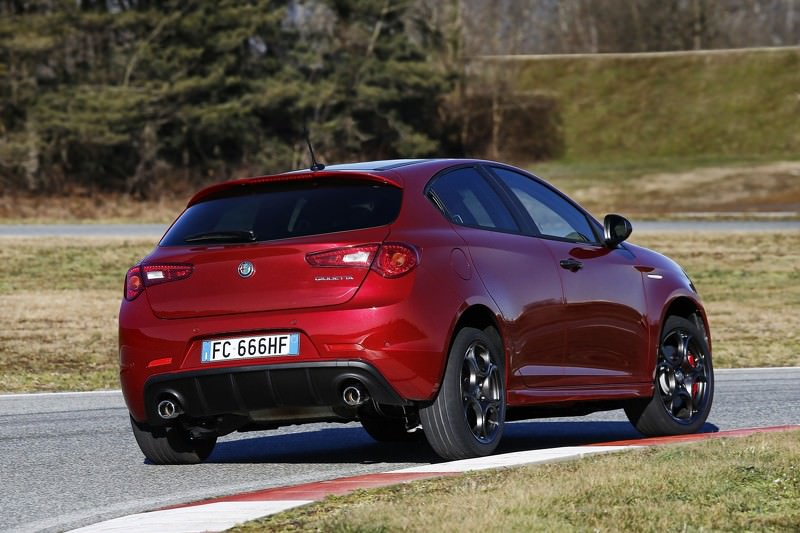 2017 Alfa Romeo Giulietta Berlina photo - 1