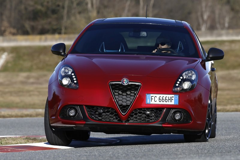 2017 Alfa Romeo Spider photo - 2