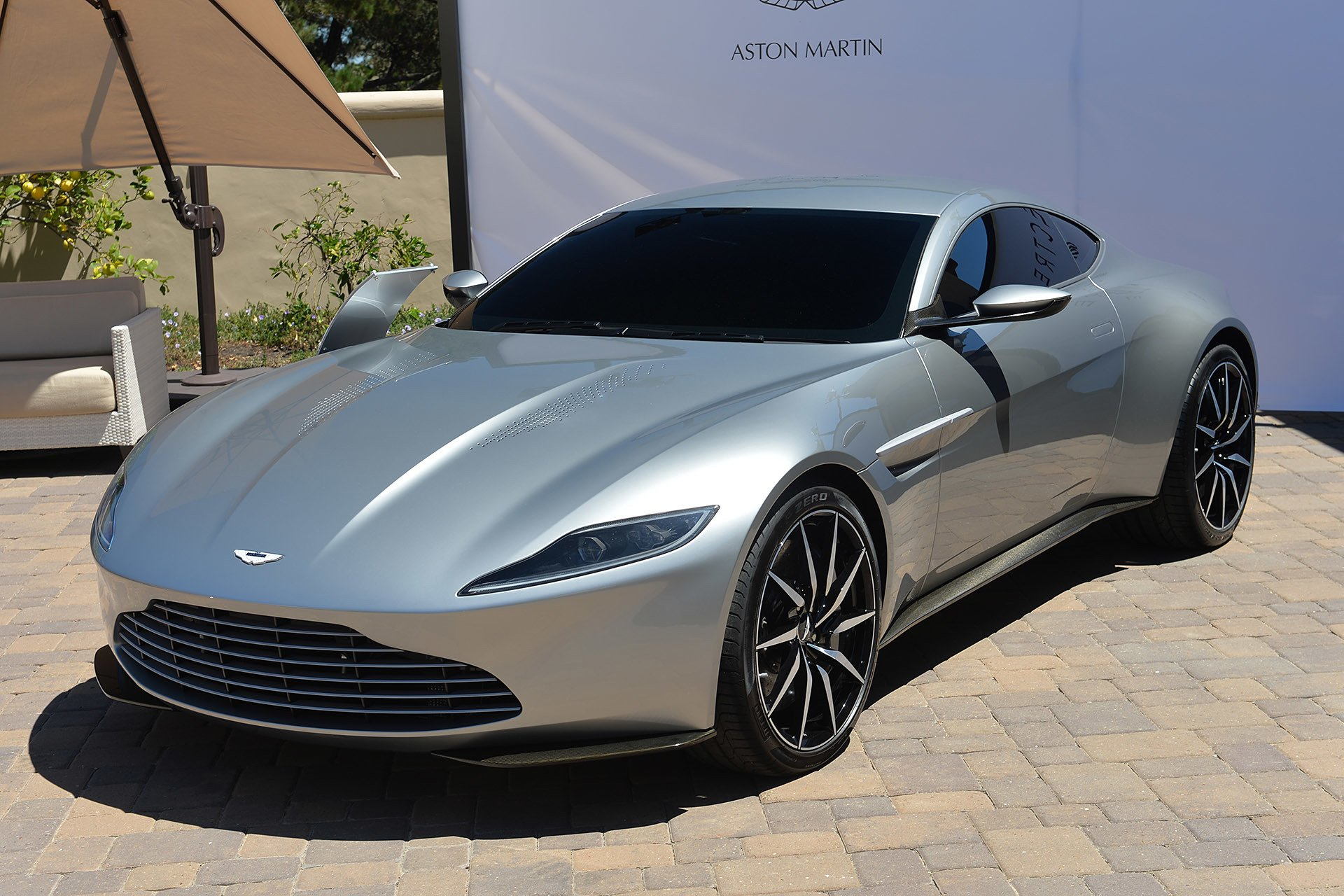 2017 Aston Martin DB10 photo - 4