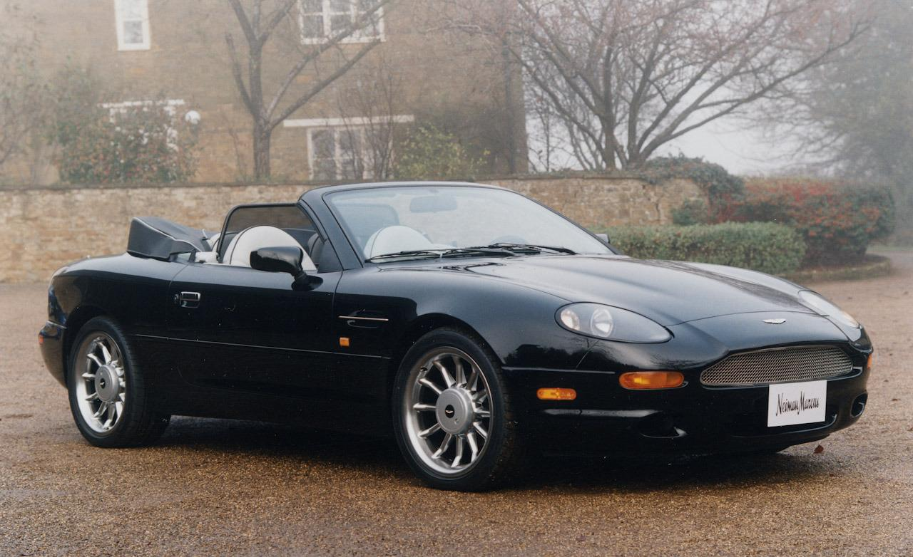 2017 Aston Martin DB7 Volante photo - 3