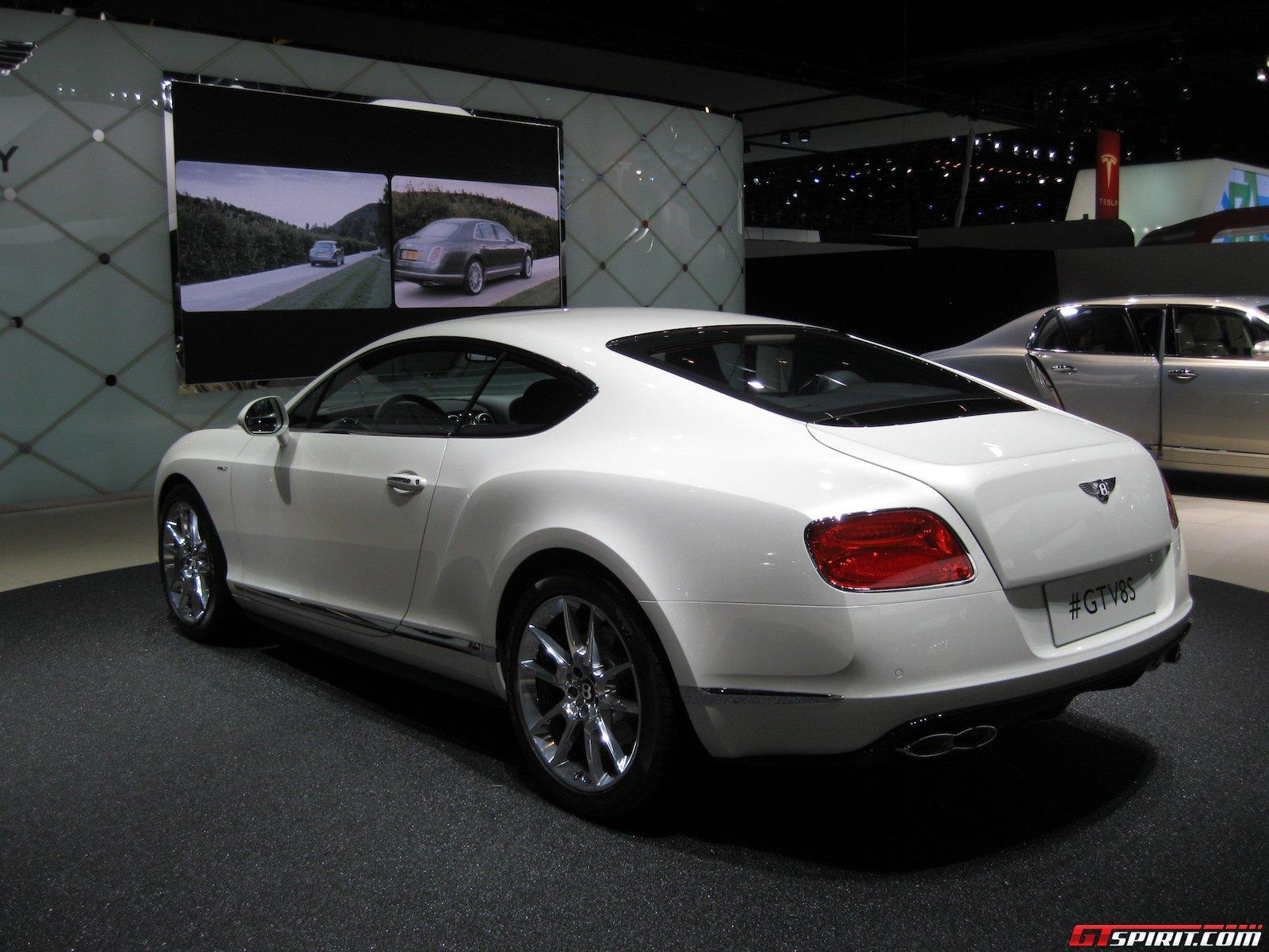 2017 Bentley Continental GT V8 photo - 3