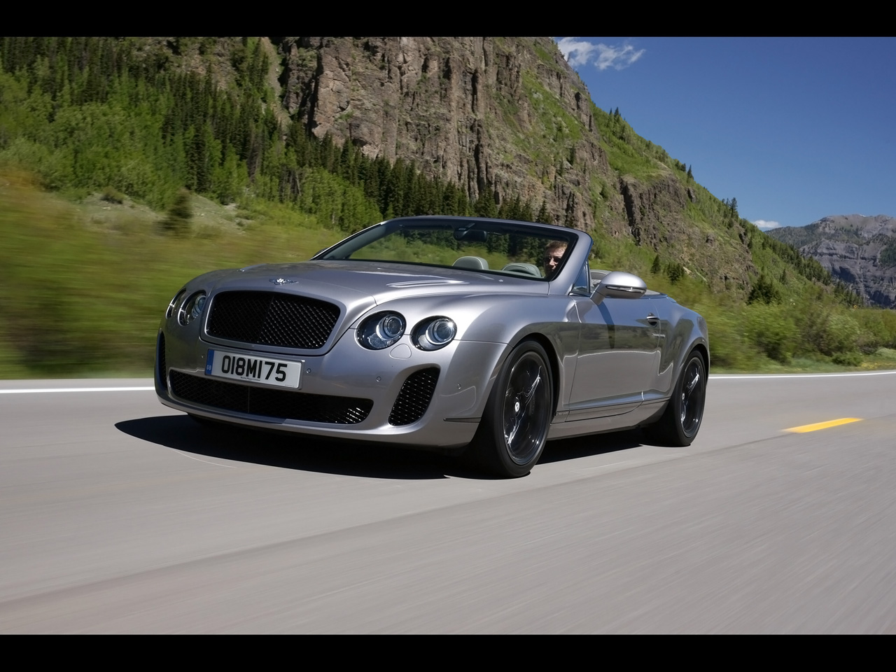2017 Bentley Continental Supersports Convertible photo - 1