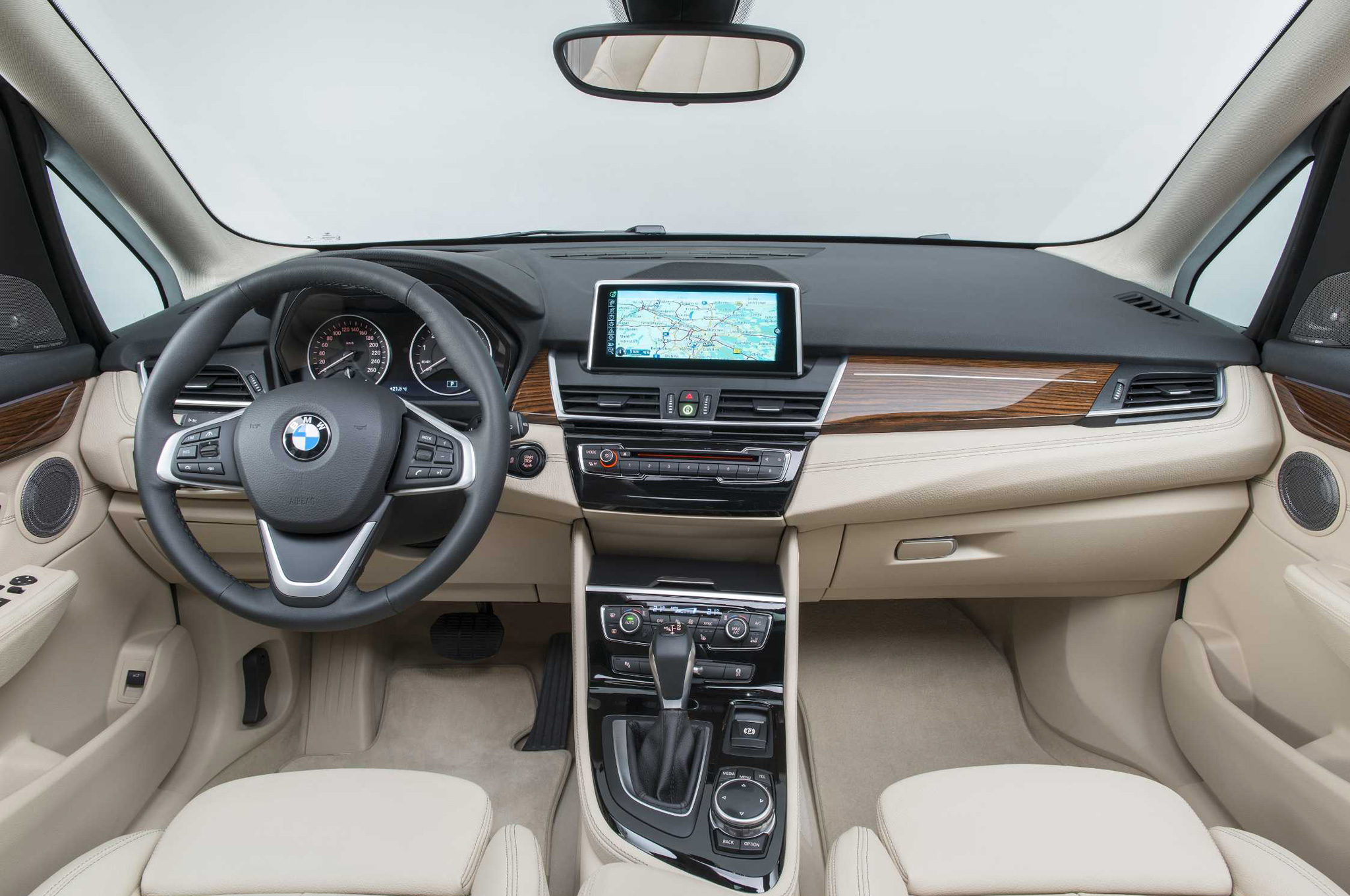 2017 BMW 2 Series Active Tourer photo - 1