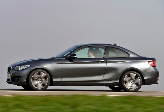 2017 BMW 2 Series Coupe photo - 2