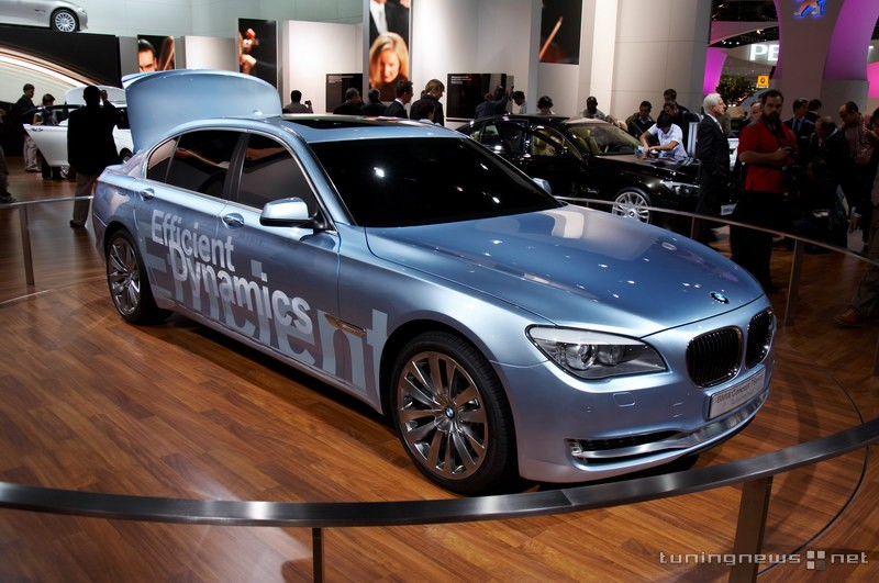2017 BMW 7 Series ActiveHybrid Concept photo - 2