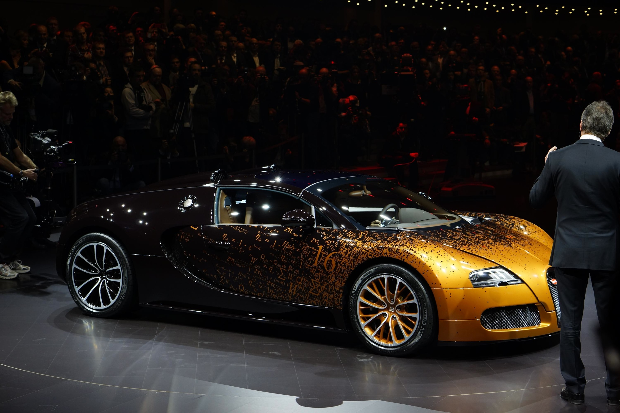 2017 Bugatti Veyron Grand Sport Bernar Venet photo - 2