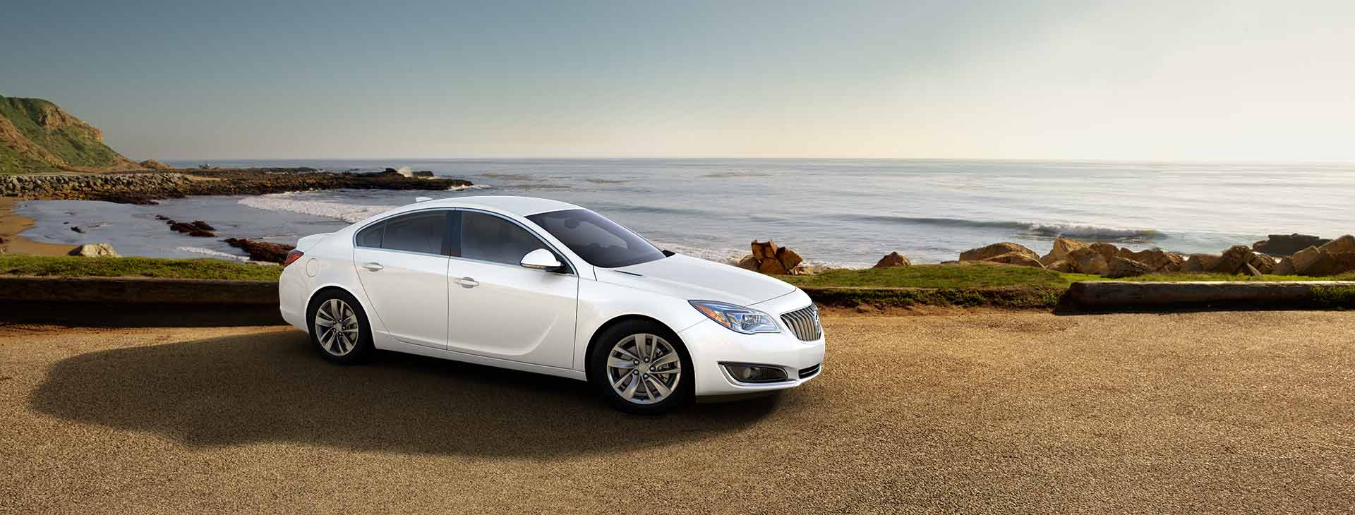 2017 Buick Regal photo - 1