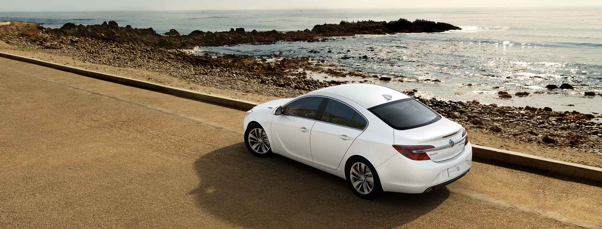 2017 Buick Regal photo - 2