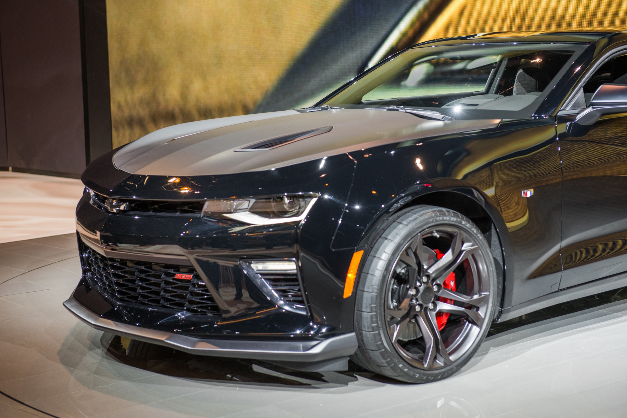2017 Chevrolet Camaro Black Concept photo - 2