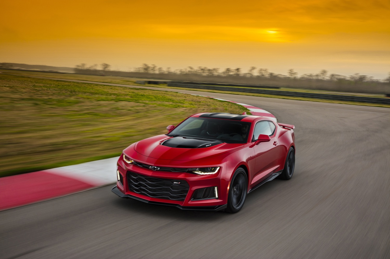 2017 Chevrolet Camaro SS photo - 1