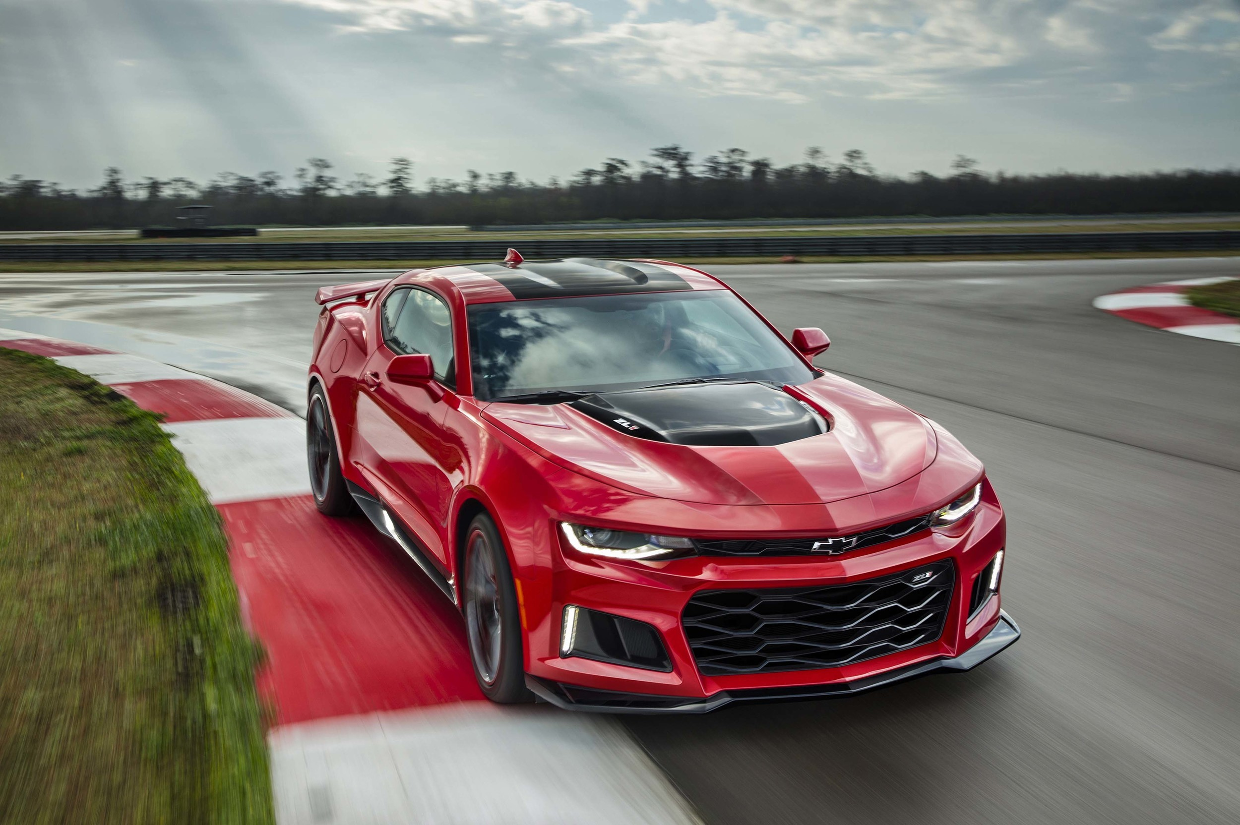2017 Chevrolet Camaro SS photo - 4