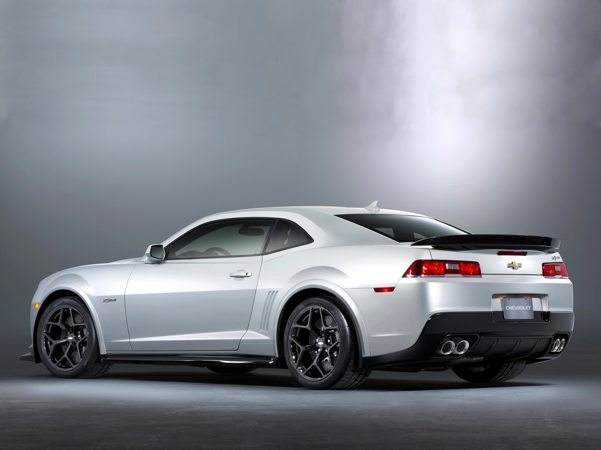 2017 Chevrolet Camaro Z28 photo - 4
