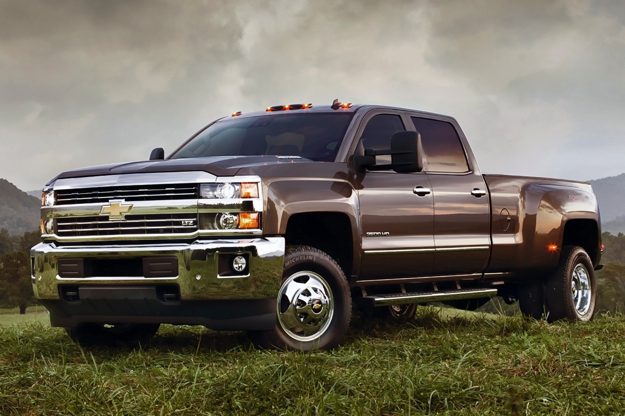 2017 chevrolet silverado 3500 hd ltz crew cab car photos catalog 2018. Black Bedroom Furniture Sets. Home Design Ideas