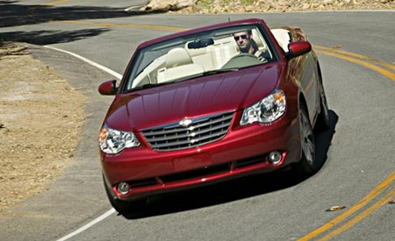 2017 Chrysler Sebring Convertible Photo 2