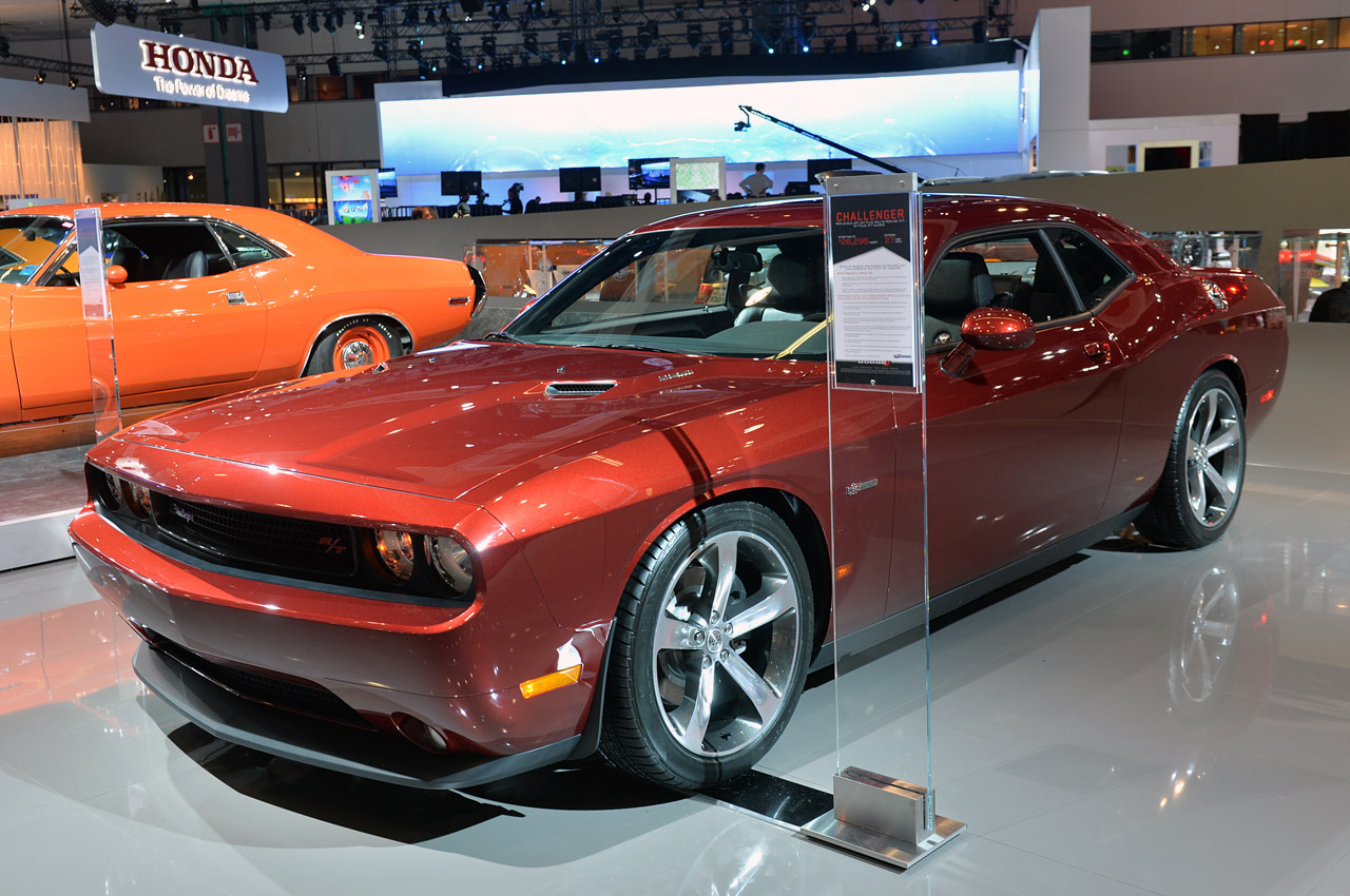 2017 Dodge Challenger 100th Anniversary Edition photo - 4