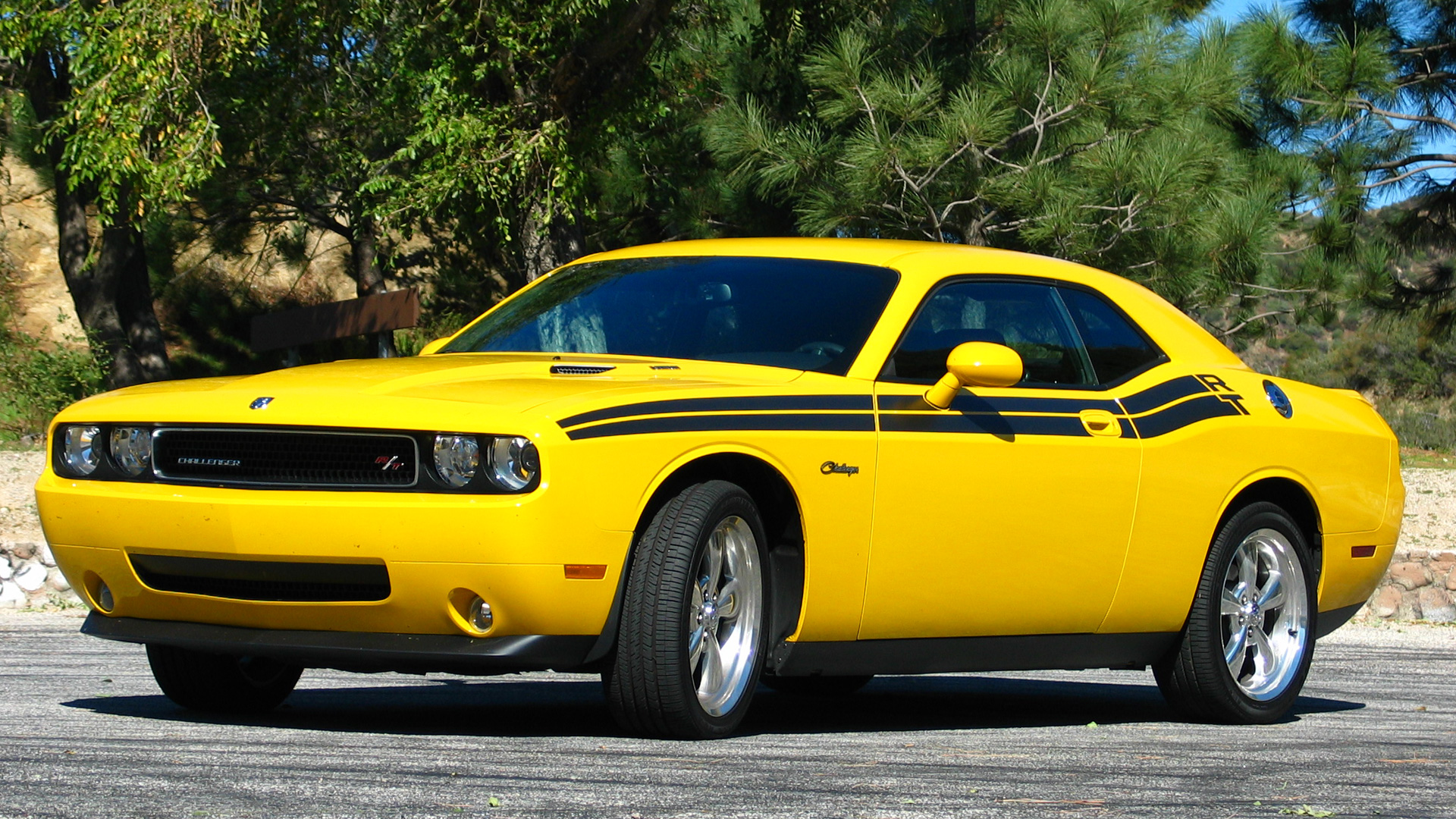 2017 Dodge Challenger RT photo - 4