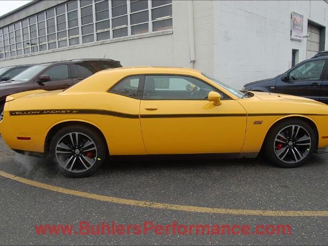 2017 Dodge Challenger SRT8 392 Yellow Jacket photo - 3