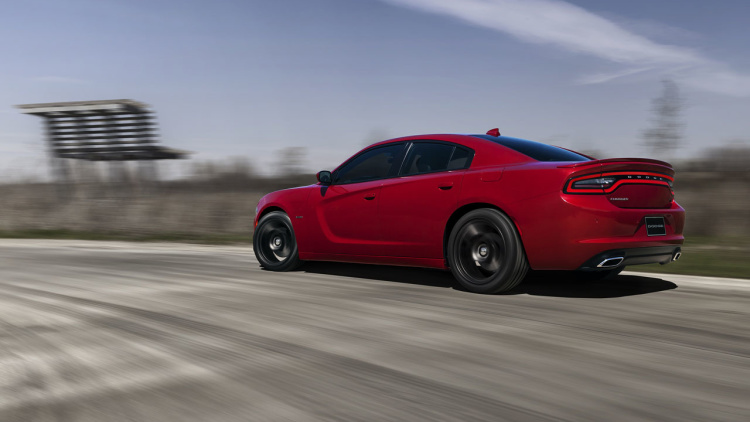 2017 Dodge Charger RT photo - 4