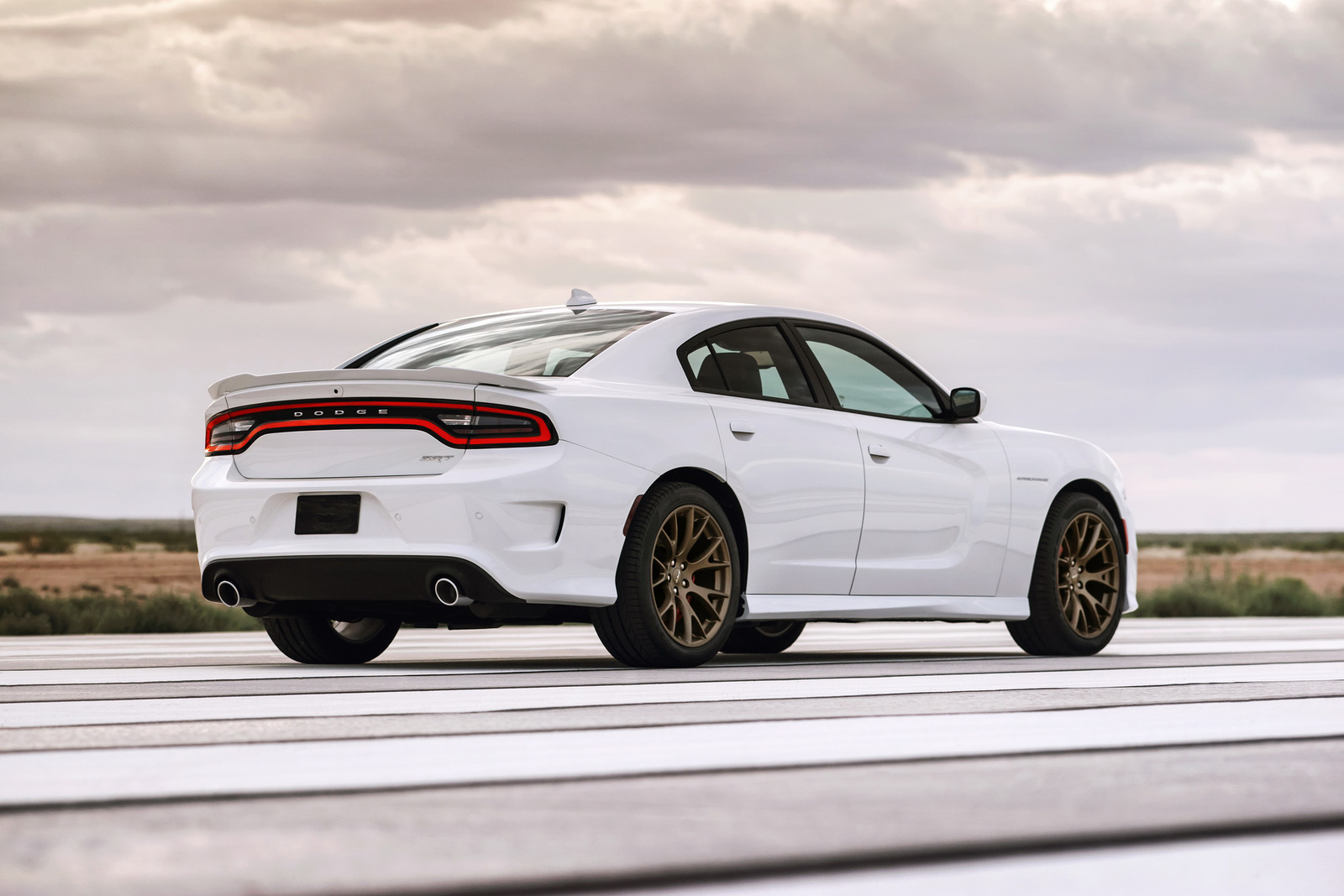 2017 Dodge Charger SRT Hellcat photo - 4