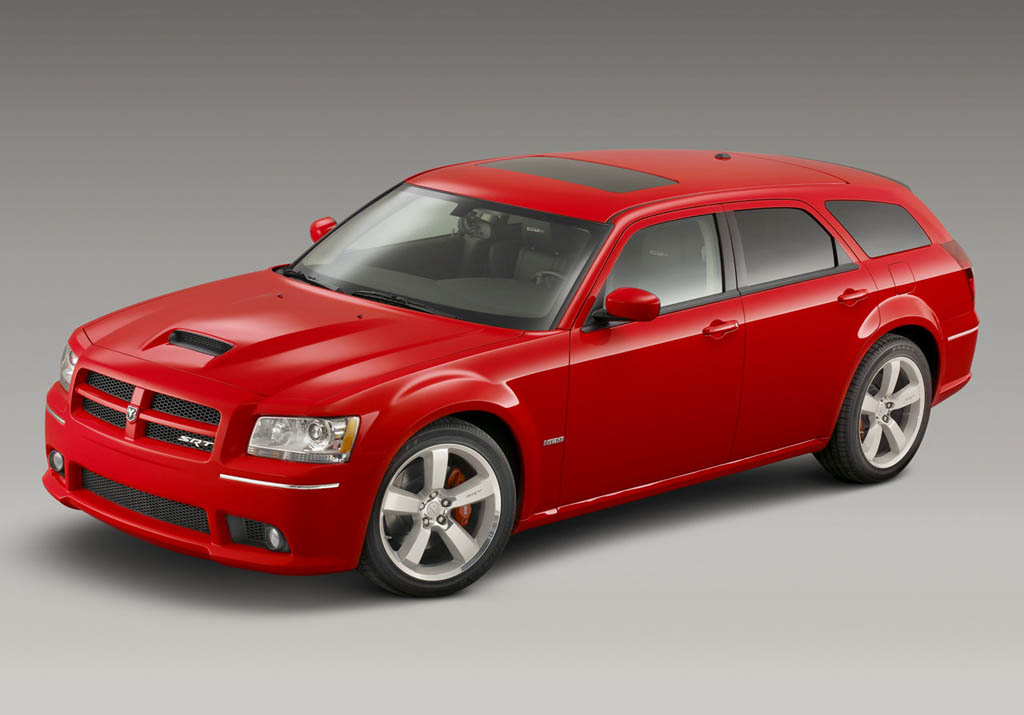 2017 Dodge Magnum SXT photo - 4