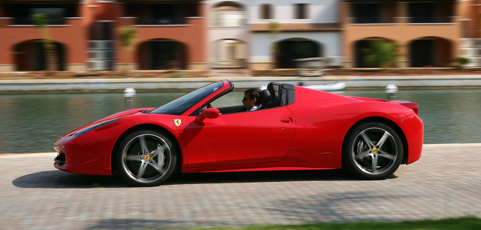 2017 Ferrari 458 Spider photo - 4