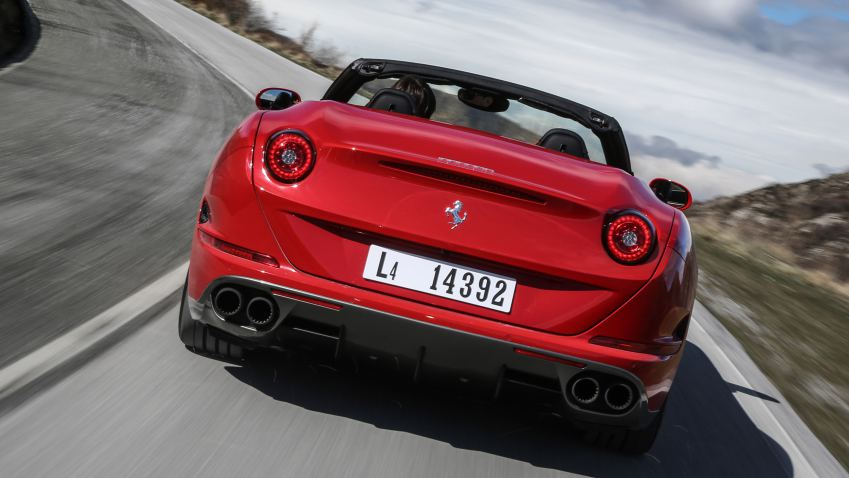 2017 Ferrari California T photo - 4