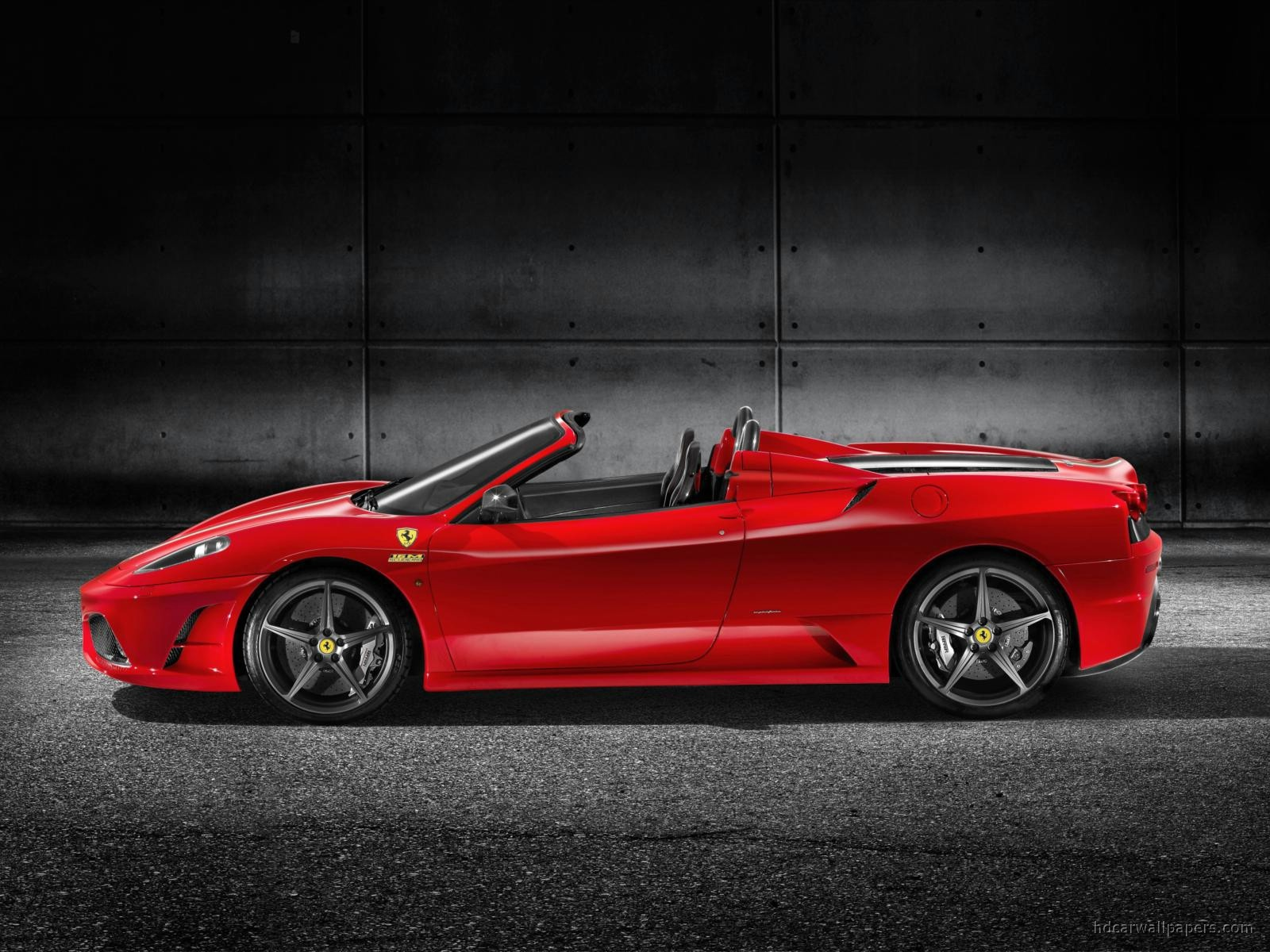 2017 Ferrari Scuderia Spider 16M photo - 2