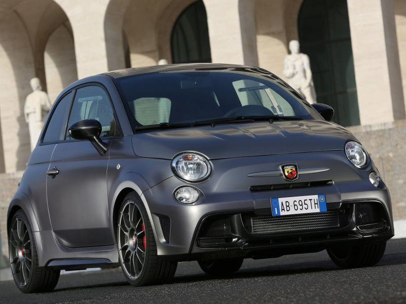 2017 Fiat 695 Abarth Biposto photo - 1