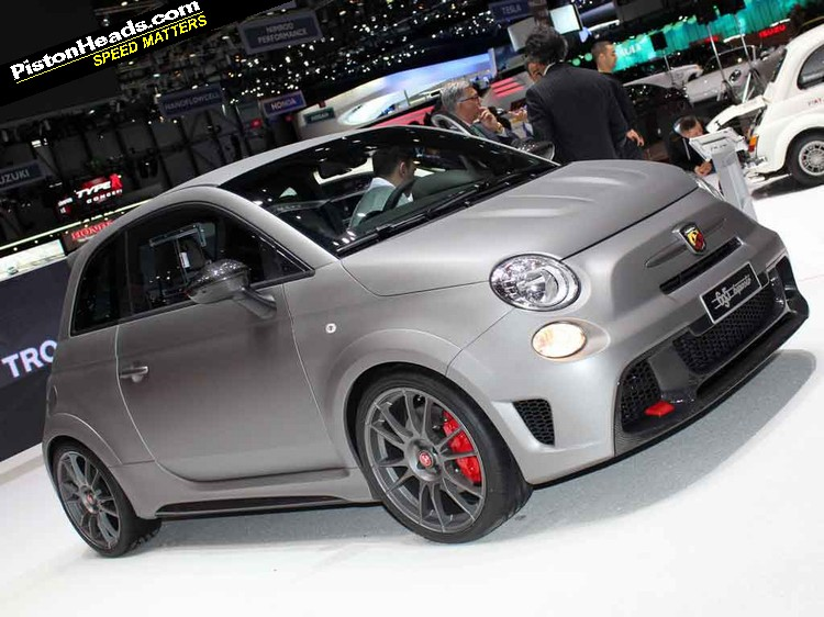 2017 Fiat 695 Abarth Biposto photo - 3