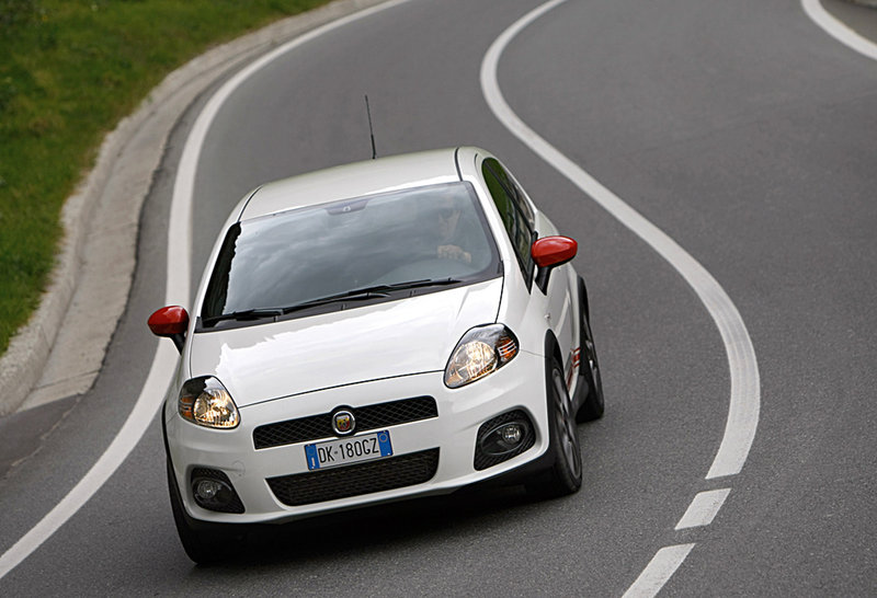 2017 Fiat Grande Punto Abarth Preview photo - 2