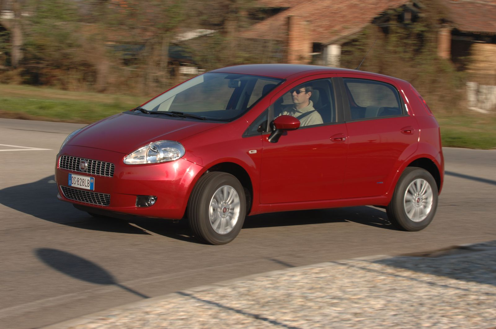2017 Fiat Grande Punto Natural Power photo - 2