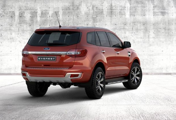 2017 Ford Everest photo - 1