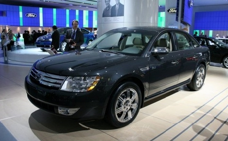 2017 Ford Five Hundred photo - 2