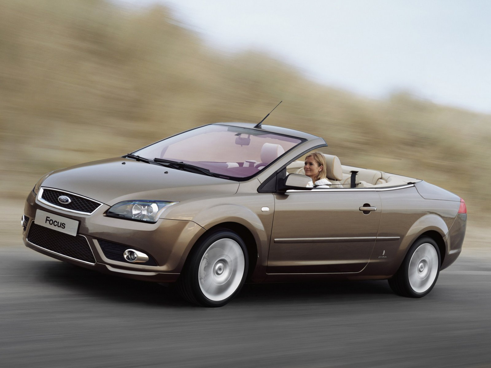 2017 Ford Focus Coupe Cabriolet photo - 2