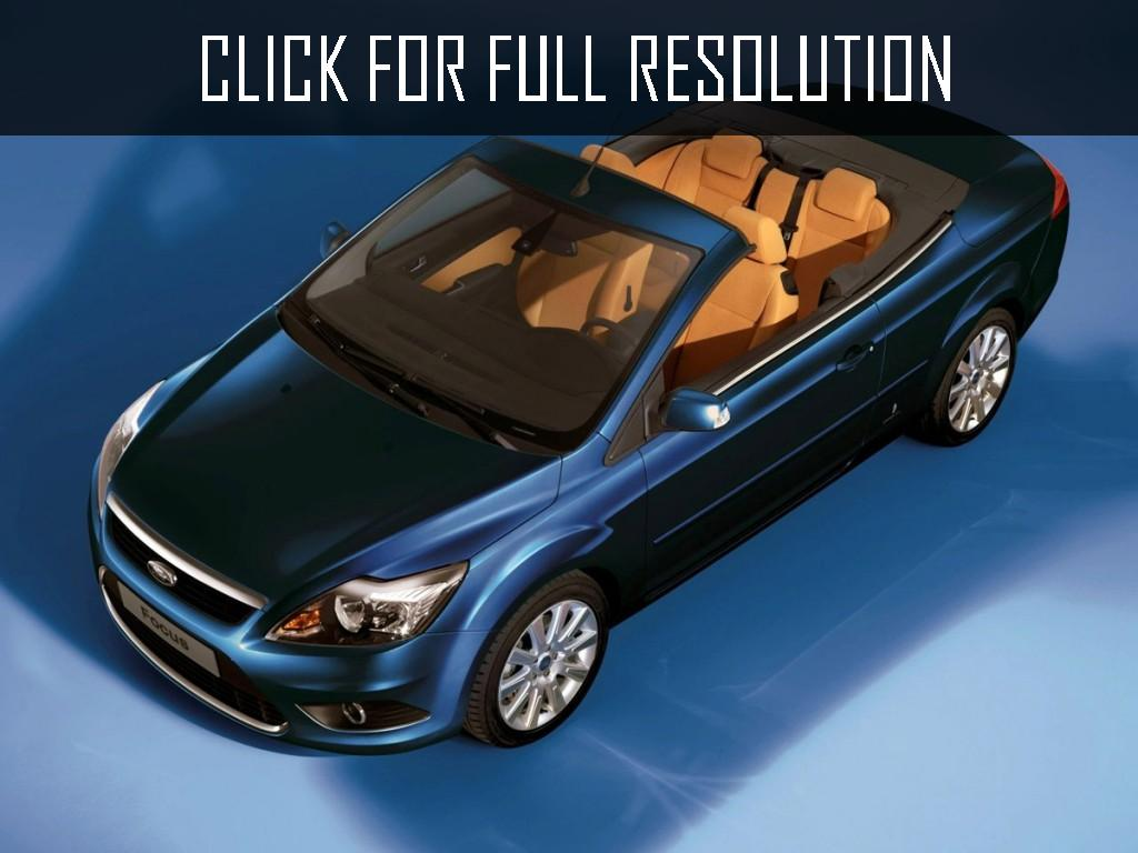 2017 Ford Focus Coupe Cabriolet photo - 3