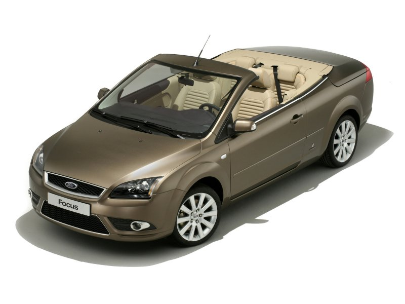 2017 Ford Focus Coupe Cabriolet photo - 4