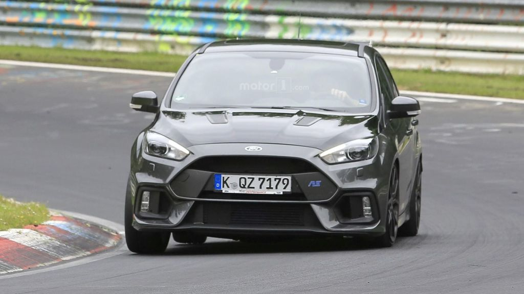 2017 Ford Focus RS500 photo - 3