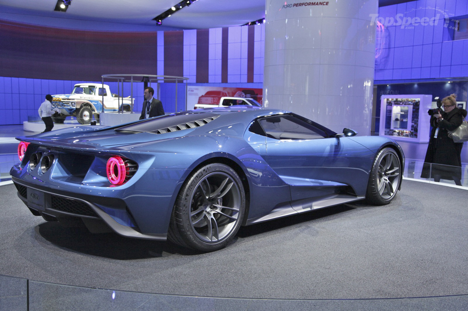 2017 Ford GT photo - 1