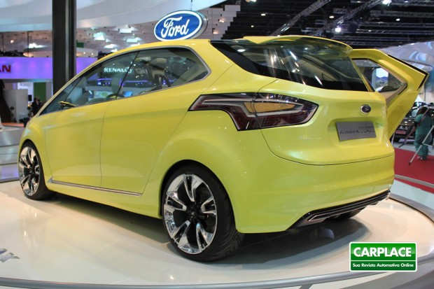 2017 Ford iosis MAX Concept photo - 4