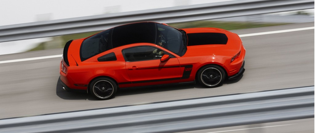 2017 Ford Mustang Boss 302 Laguna Seca photo - 2