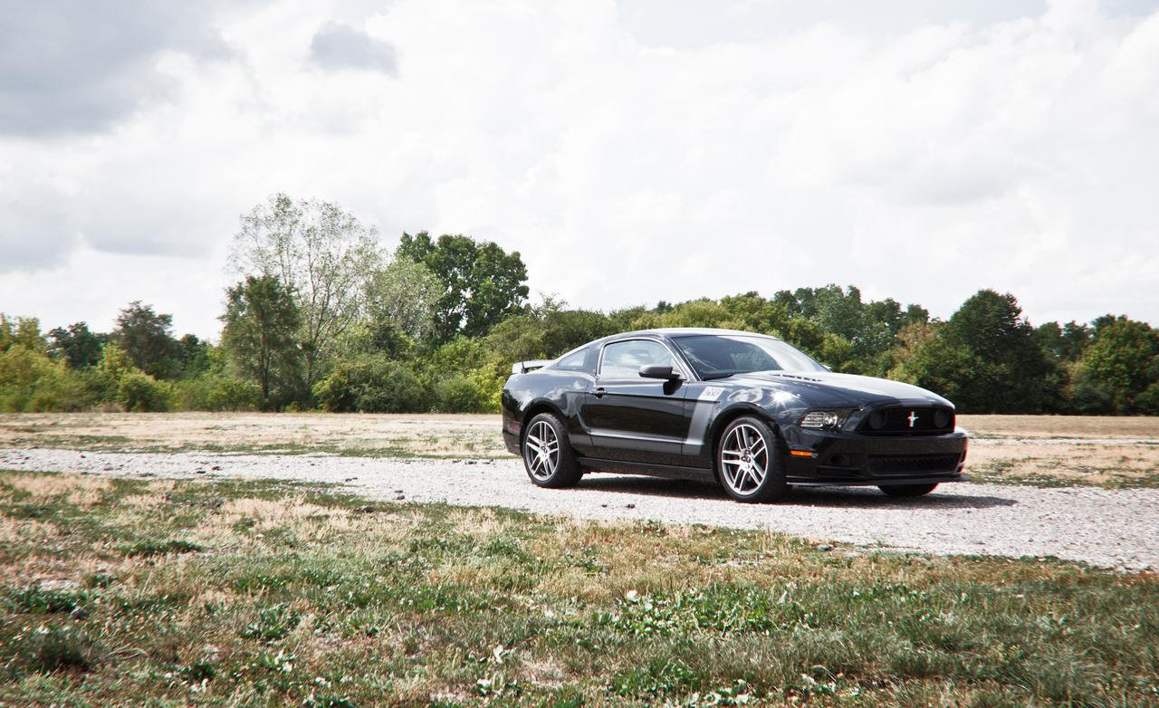 2017 Ford Mustang Boss 302R photo - 3