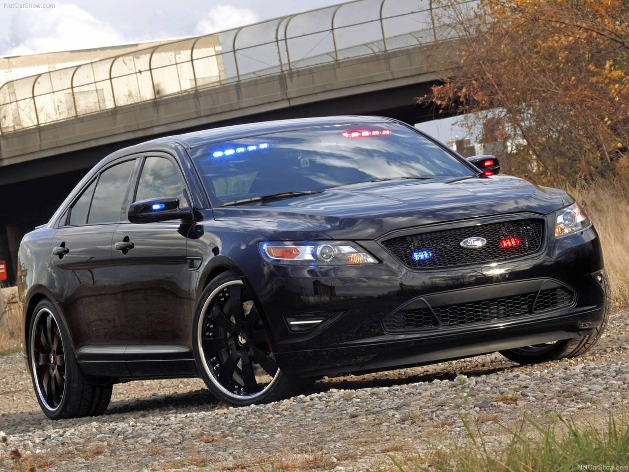 2017 Ford Stealth Police Interceptor Concept photo - 4