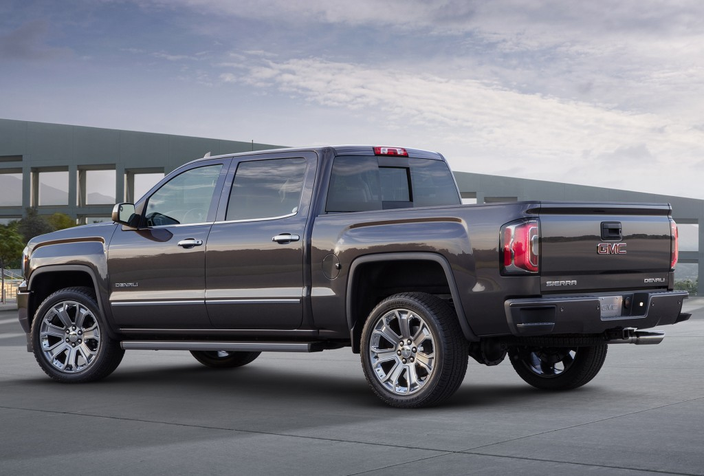 2017 GMC Sierra photo - 2