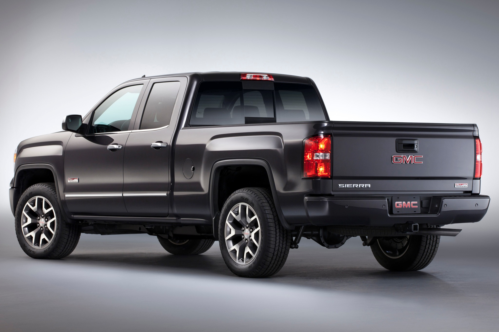 2017 GMC Sierra 2500 HD SLT Extended Cab photo - 3
