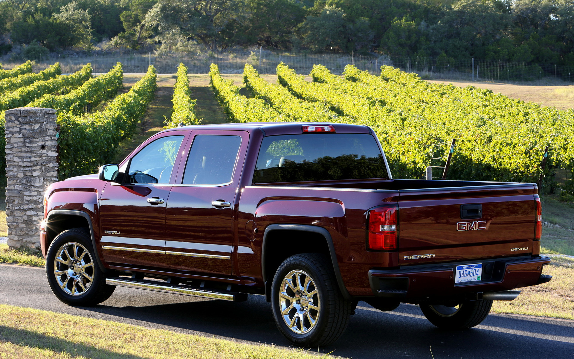 2017 GMC Sierra Denali 1500 Crew Cab photo - 3