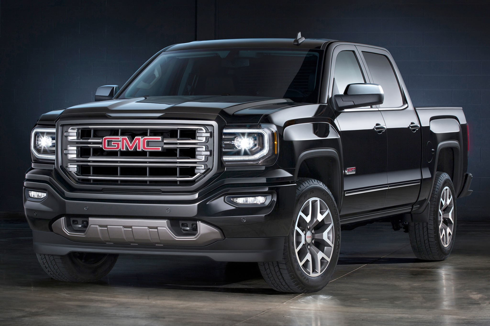 2017 GMC Sierra Hybrid Crew Cab photo - 1