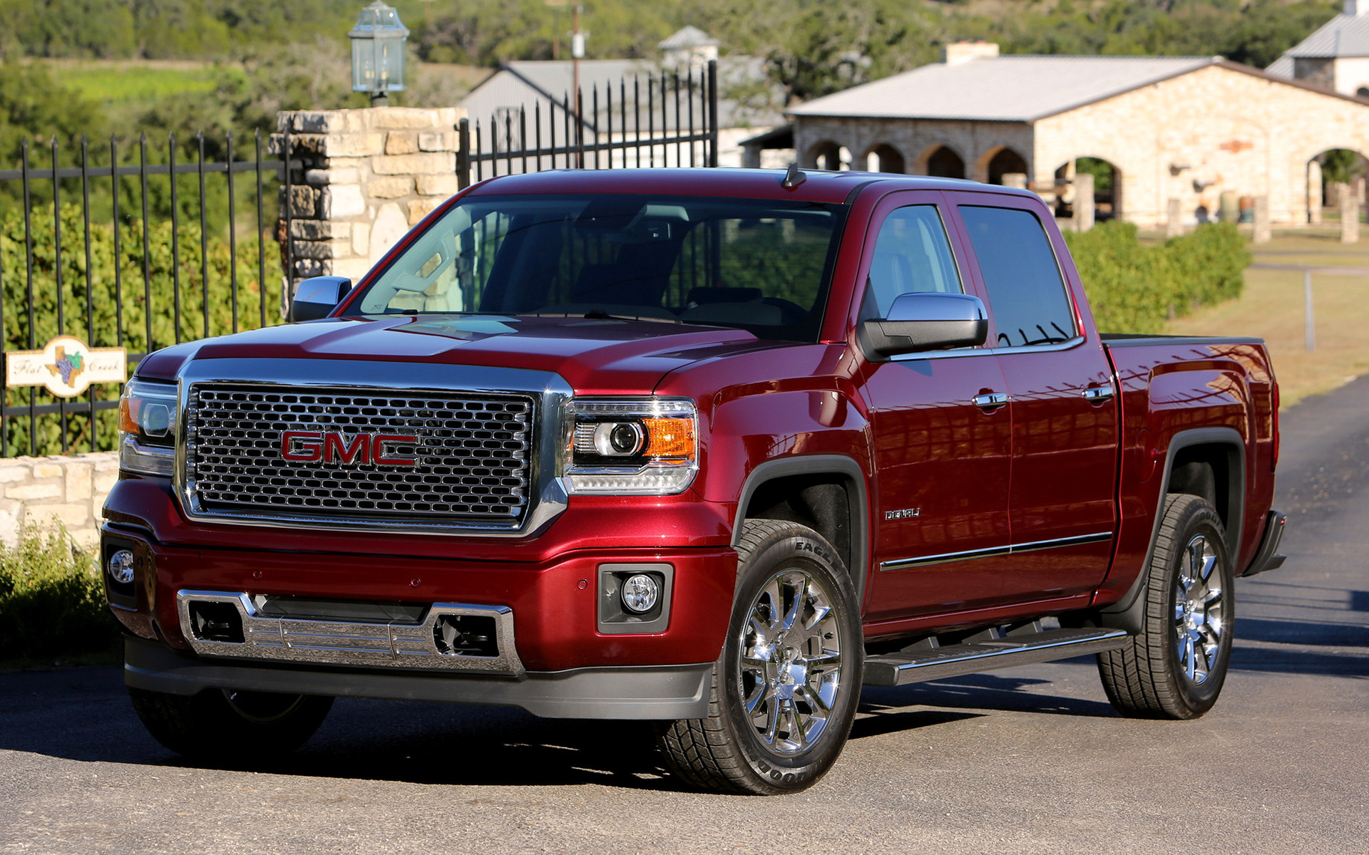 2017 GMC Sierra Hybrid Crew Cab photo - 3