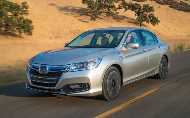 2017 Honda Accord PHEV photo - 4