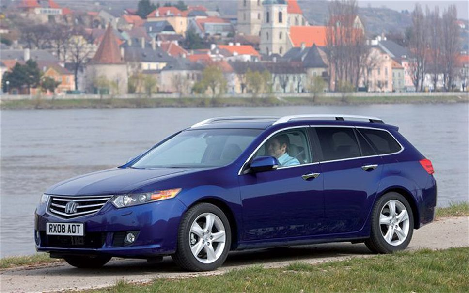 2017 Honda Accord Type S photo - 2
