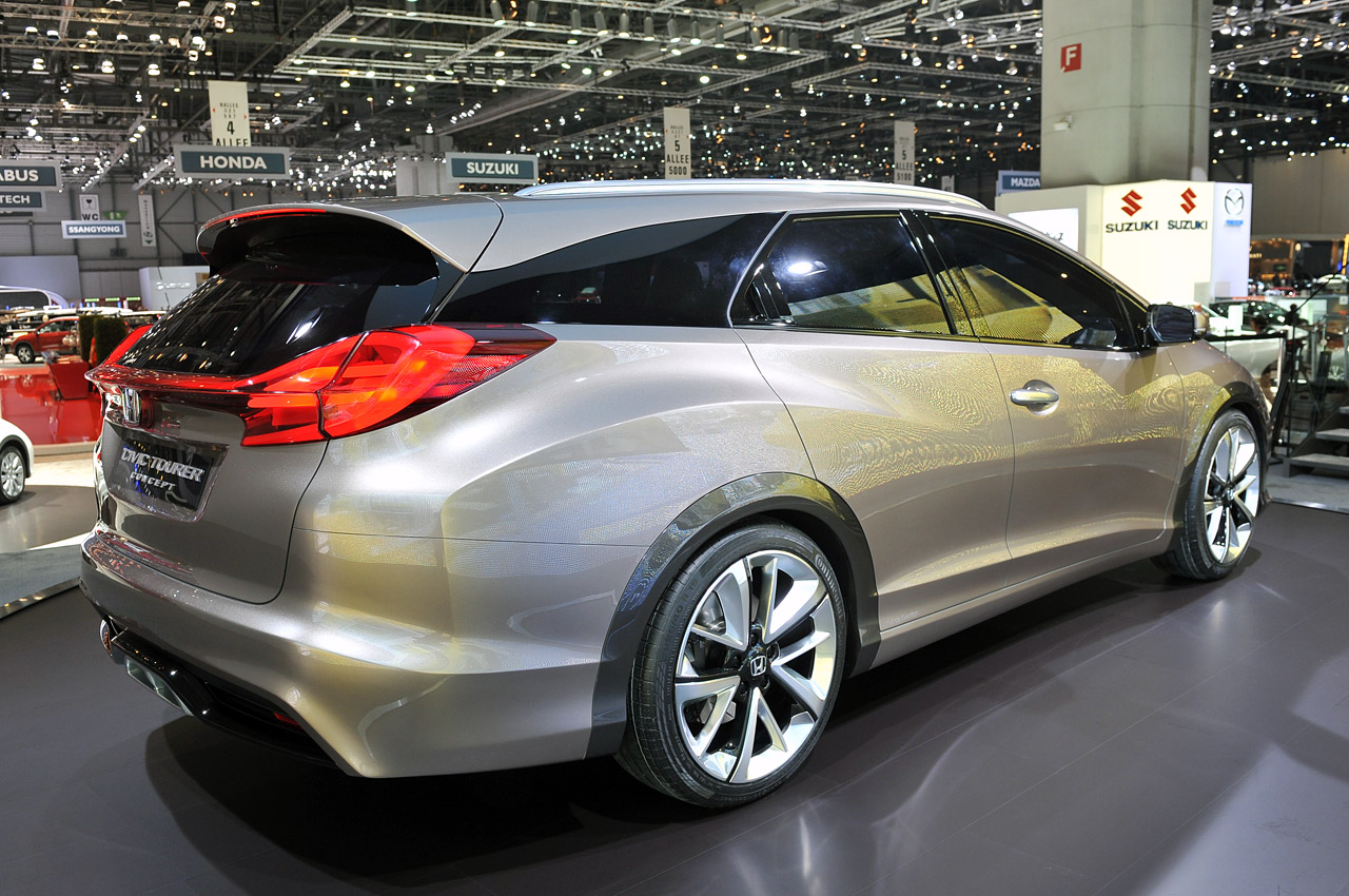 2017 Honda Civic Tourer photo - 1